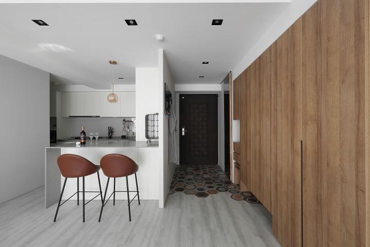 台中室內設計案例,三房改兩房的北屯簡約宅,打造人貓生活美居玄關作品