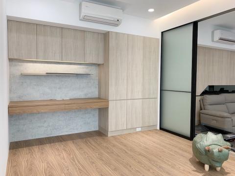 輕裝潢要訣:系統櫃只做日常需要的櫃體。圖片由新北楊舜豪室內設計師提供